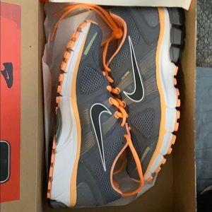 Nike Air Pegasus+ 28